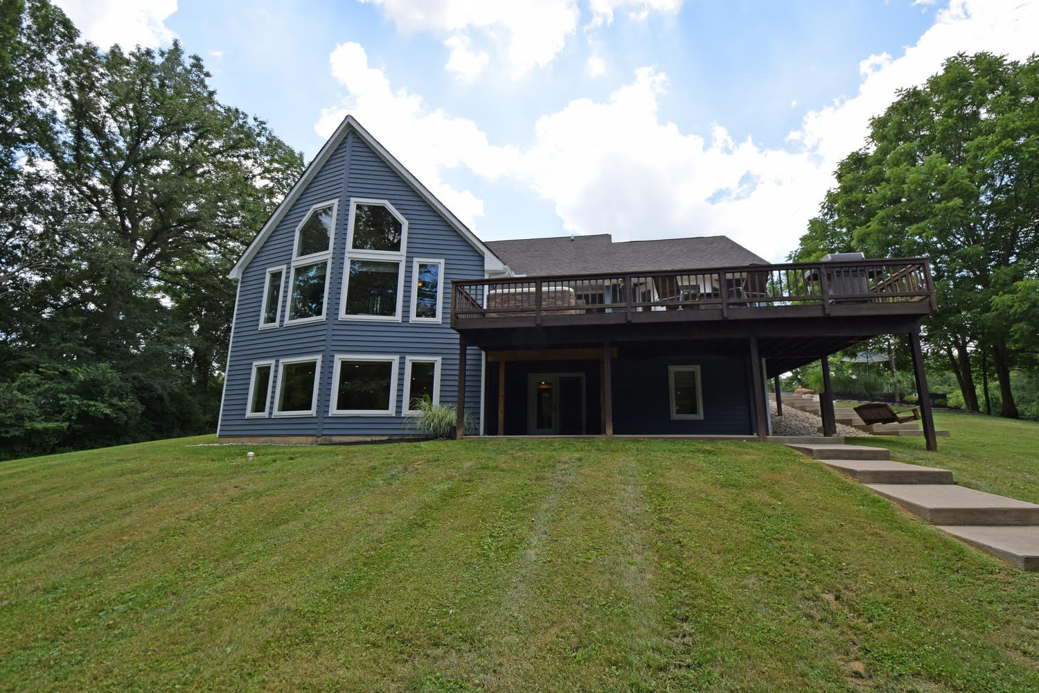 20 Acre Retreat Just Minutes to Downtown Loveland!  1250 Neale Ln. Goshen Twp., OH