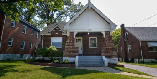 Cute & Refreshed Bungalow Coming Soon to Silverton!